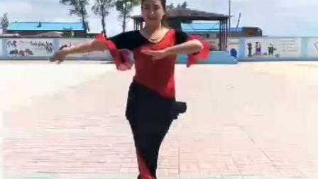 少数民族美女热歌热舞, 展现异域风情
