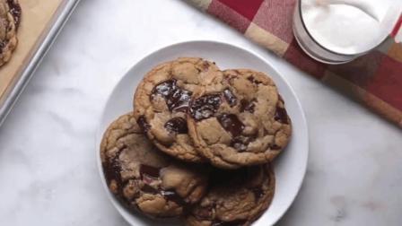 美味的耐嚼早餐巧克力曲奇饼, 1分钟学会