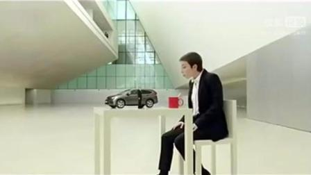 极具创意的视觉错觉汽车广告(360p)
