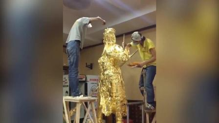民间雕刻上色艺术, 猜猜这雕像是谁?