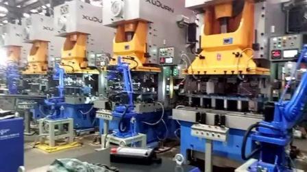 94号机械手生产空调外壳代替人工