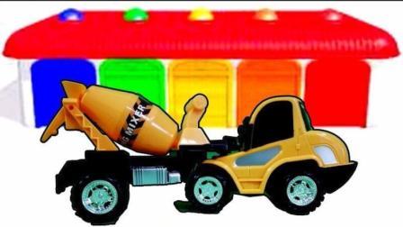 水泥搅拌机工程车玩具 挖掘机工作视频表演 猪猪侠