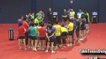 国乒男女合训挑战高难度游戏, 这群人拿到的金牌加起来得要板车拖