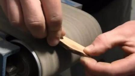 简单木艺: 手工达人教你几步手工DIY自制木质吊坠