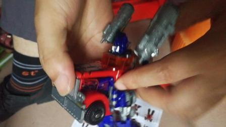 迷你特工队之超能英雄变形金刚 擎天柱怎么变成车的玩具视频教程