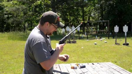 亨利AR-7生存步枪, 精度高, 威力也不错