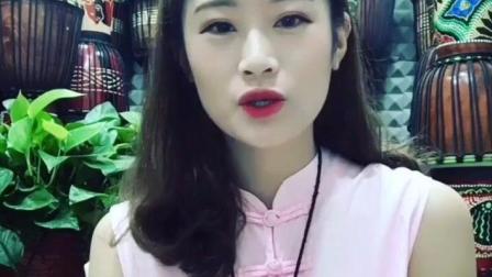 丽江妹子一首《别再说》唱的太好听了, 歌声真迷人