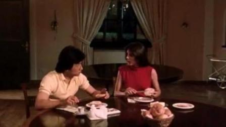 成龙欺骗外国美女吃发霉的豆腐乳, 还说这是中国