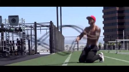 街头健身迈克尔巴斯克斯的锻炼集, 和健身房锻练出来的就是不一样