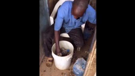 非洲自制饮料你敢喝吗? 回收旧瓶子洗洗就卖