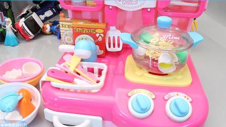 烹饪面条拉面厨房玩具刷子你的牙齿婴儿娃娃惊喜鸡蛋玩具小企鹅波鲁鲁【俊和他的玩具们
