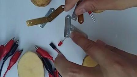 水果电池实验连接方式步骤视频, 无杜邦线直接夹针脚即可