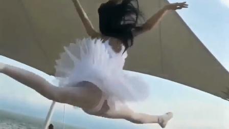美女户外跳芭蕾舞, 起跳的时候太美了