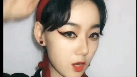 美女表演川剧式化妆, 这化妆比变脸可难多了