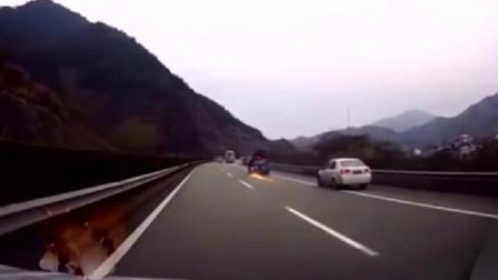 高速爆胎, 老司机教你如何做, 真是九死一生!