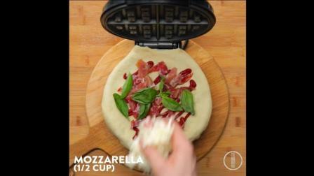一分钟学会意大利辣味香肠披萨, 终于不用在外面吃了