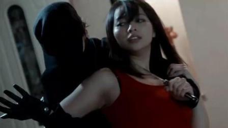 日本女职业杀手单挑业余赏金杀手, 差距不小呢