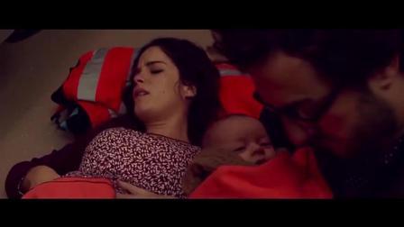孕婦火車上生雙胞胎 實拍老公親自接生過程