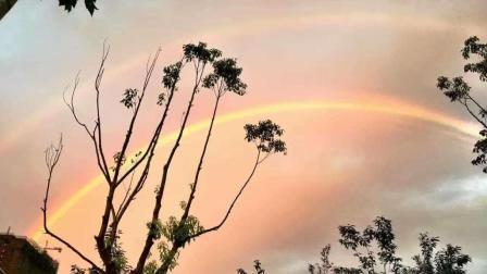 安徽六安雨后现双彩虹, 罕见大尺寸