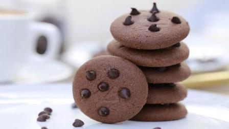 酥松的奶油曲奇和香醇的巧克力于一身, 绝佳的美味组合速成趣多多