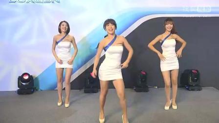性感长腿美女车模热舞, 身材玲珑完美, 舞姿动感