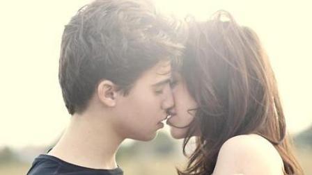 美女接吻教程 无法拒绝的七种吻法