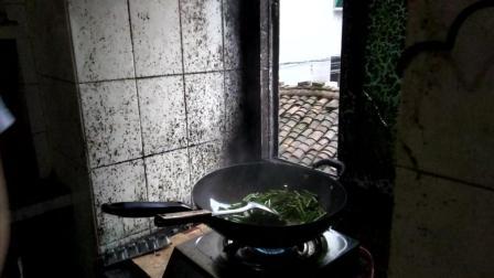 肉炒长豆角的家常做法大全家常菜 江西抚州宜黄县圳口乡特产美食