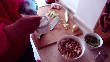传统做法大菜包子, 方法简单做出来好吃, 还能降血压! 动手学学吧!