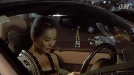 穷小伙嘲讽跑车美女, 谁料面试发现美女是自己的老板