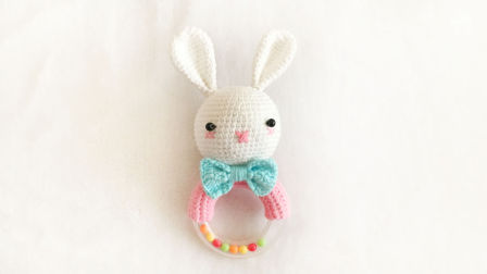 【小脚丫】兔子摇铃(2)毛线钩法毛线玩具的钩法兔子摇铃宝宝摇铃学钩玩偶如何织