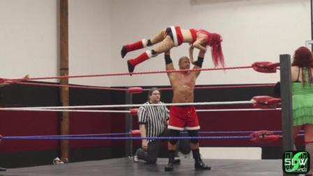 跨性别 男打女摔角 男子一打三位女摔 强弱不等赛 被虐惨了