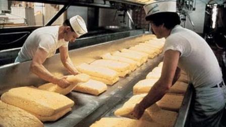 实拍欧洲全自动工厂制作奶酪蛋糕, 实在是太先进了