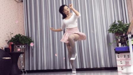 来自农村的姐姐不笑不会跳《这鞋跳这舞我服了》涨姿势了