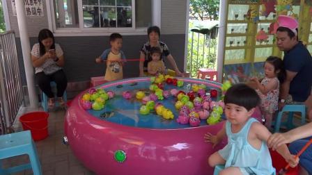济南市动物园儿童钓鱼游戏