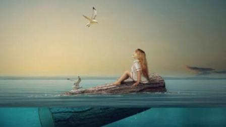 【正常速度】国外ps创意海报合成视频  女孩乘坐木头在海洋中漂流