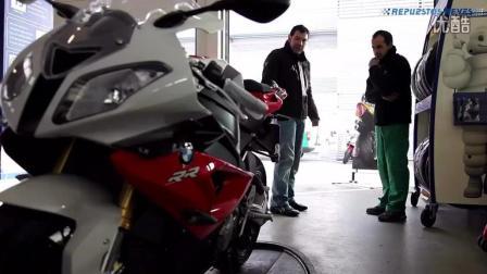 看老外怎么给宝马摩托车换轮胎