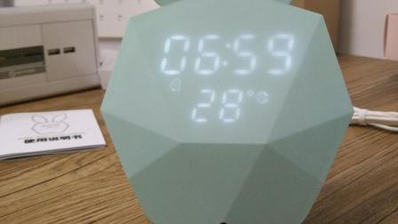 戒叔智选-音--创意咪兔造型闹钟小夜灯实测
