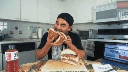 肌肉男吃自制巨无霸汉堡, 比脸还要大, 好想咬一口过过瘾