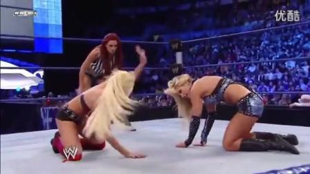WWE为了赢得比赛, 最后这一拳确实有点脏!