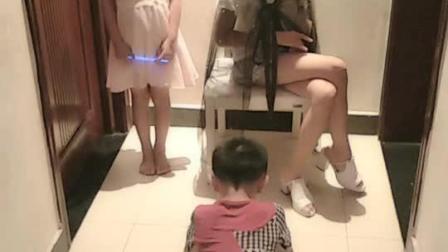 三个小孩一台戏啊!