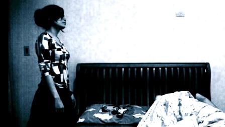 误住凶宅, 乔迁当晚, 怪事连连卧室的录像机无意中记录被鬼附身全过程
