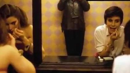 人间百态啊, 一男子竟然偷拍女厕40年