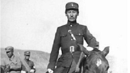 血肉长城: 江桥抗战和马占山的传奇人生