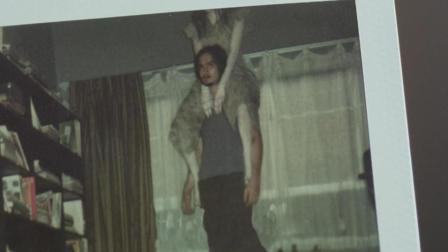 《鬼影》泰国帅哥老是脖子疼, 用相机一拍结果身上骑了一个女鬼, 感觉被吓到啊!