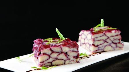 紫薯的各种营养价值都很高, 吃法也不少, 大厨今天教大家这样做紫薯, 真的是好看又好吃