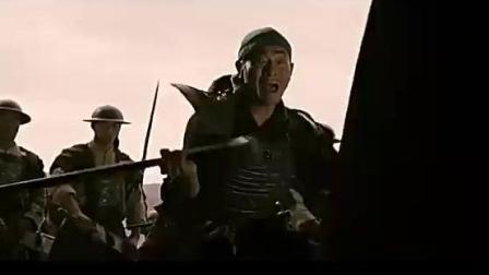 这才赵云真正的实力, 一人挥枪力战关羽张飞