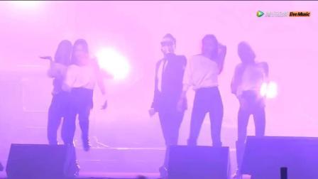 鸟叔降临亚洲金曲大赏演唱《江南Style+Daddy》  不过现场有点尴尬