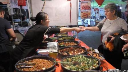 中国留学生在伦敦商业区卖中餐盒饭, 半年赚回40万学费