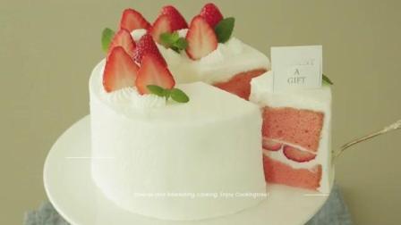 烘焙小白入门必学的草莓戚风蛋糕