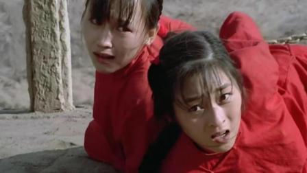 为了祈求河神降雨, 村民竟把两个年轻的女孩献给河神